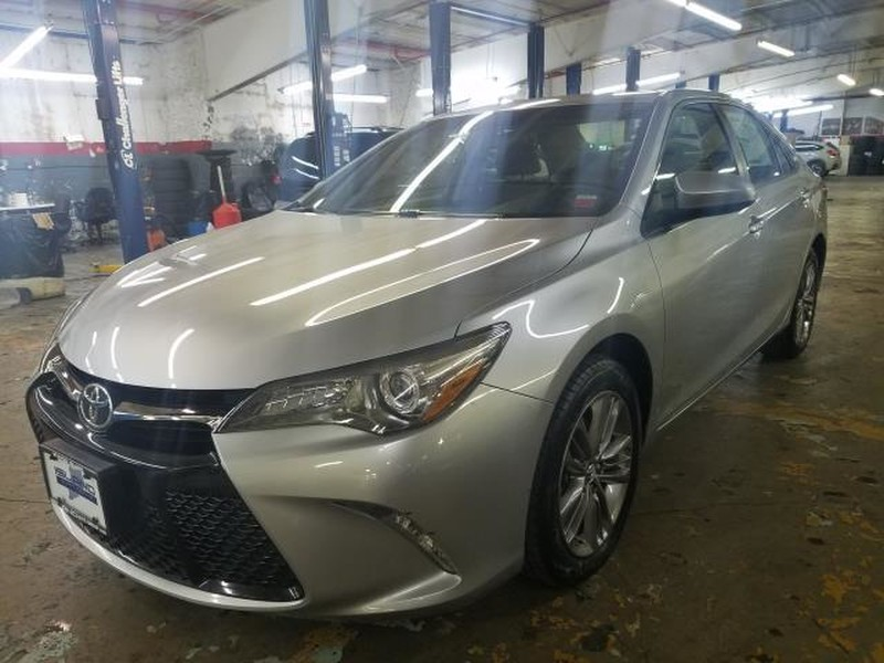 Pre-Owned 2017 Toyota Camry SE Auto LIFETIME WARRANTY