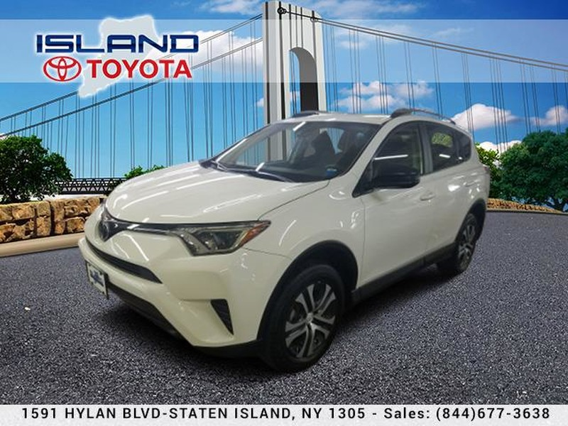 Certified Pre-Owned 2017 Toyota RAV4 LE AWD (Natl) 17000 MILES
